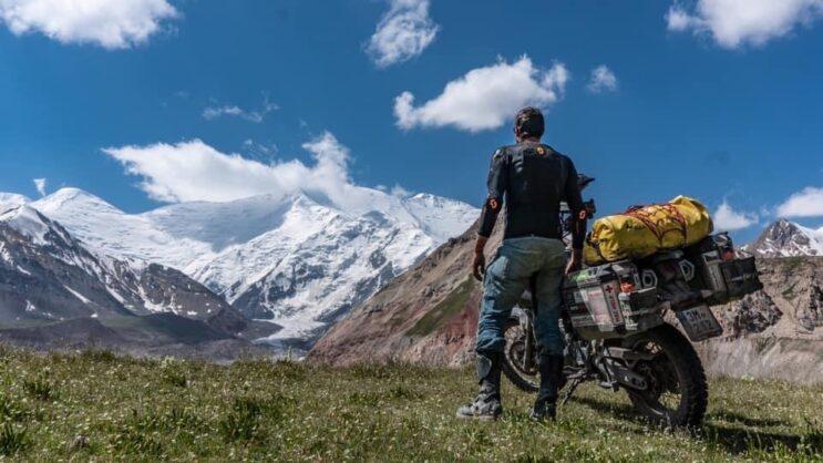 Ondra a motorka na cestě ruskem