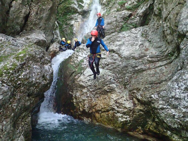 Skok do vody
